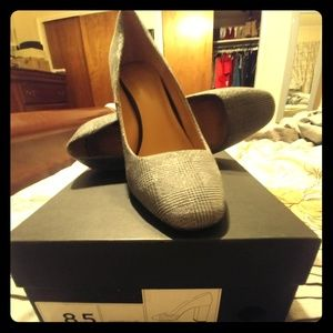 Banana Republic Heels 8.5